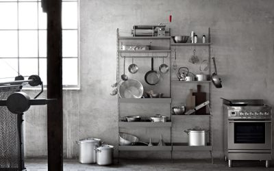 String Furniture in Metall